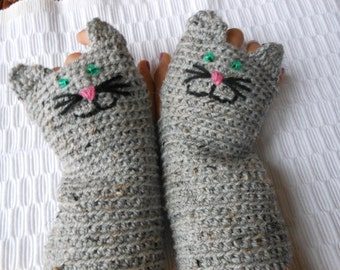 Crocheted Fingerless Mittens  Gloves Grey Tweed Cat