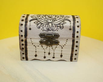 Wooden trunk with engraved pirografata, gift idea, flower