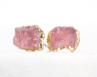 rose quartz studs / rose quartz jewelry / rose quartz earrings / rose quartz crystal / pink stone studs / raw crystal studs / pink crystal