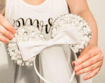 Bride ears with custom bow color