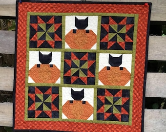 Small Reproduction Kitchen Centerpiece Halloween Primitive Decoration Pumpkin Black Cat Quilted Wall Hanging Quilt for Sale Mini Quilts