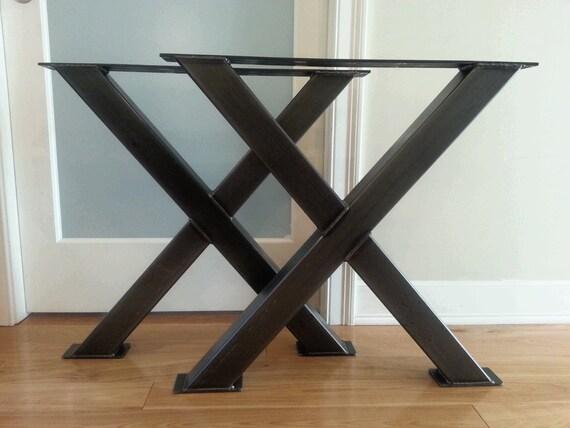 table en m tal x jambes pieds de table en acier 3 pieds. Black Bedroom Furniture Sets. Home Design Ideas