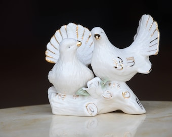 Vintage White Birds Figurine. Wedding Cake Topper. Ceramic Doves. Anniversary Gift. Bridal Shower Decor. #7166
