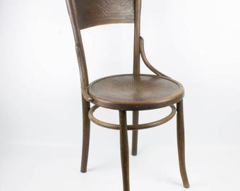 Antique French wooden chair - Lovely decorated country style
