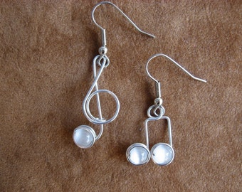 WHITE MUSIC NOTE earrings nickle-free