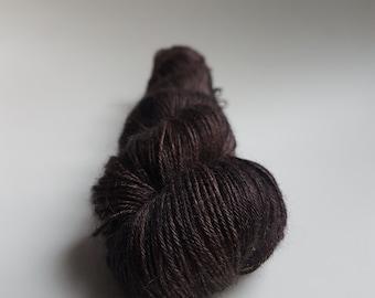 Echeveau Alpaga / Cachemire / Soie - Fingering - teint à la main - Coloris Dark Matter