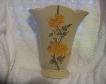 "BRENTLEIGH WARE MAYLAND Fan Vase 9"""