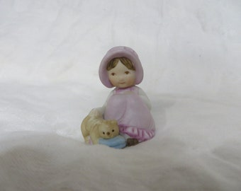 Vintage 80s Holly Hobbie Country Girl Pink Kitten Knick Knack Collectible Figurine Ceramic Bisque