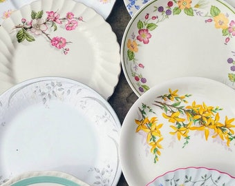 Job Lot of 10 (10 pcs) Vintage Mismatched China Mix Dinner Plates Set Floral  sc 1 st  Etsy & 15 pcs Vintage Mismatched Dinner Plates Willow Pattern Dinner