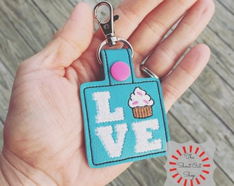 I Love Cupcakes Keychain, Cupcakes Keychain, Cupcakes Keyfob, Cupcakes Key Chain, Cupcakes Keyring, Heart Cupcakes Keychain, Heart Cupcakes