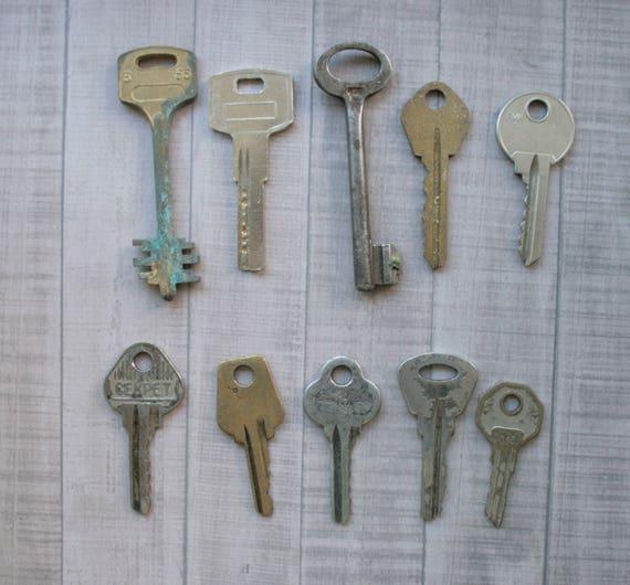 Old door key 10 pcs Old Key Vintage antique key Rustic home retro key  Steampunk Keys Strange Keys Collections primitive keys old rusty key from  ... - Old Door Key 10 Pcs Old Key Vintage Antique Key Rustic Home Retro