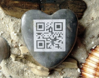 Heart QR-code I Love you engraved unique-heart-lucky charm-engraving-marble-Unique