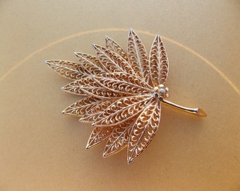 Sale Vintage Gold Tone Leaf Brooch
