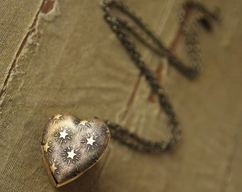 Seeing Stars - Mini Heart Locket Necklace with sweet Stars Pattern