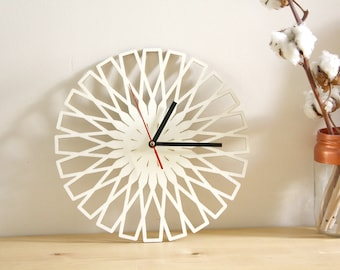 Wooden geometric clock, modern minimal design, poplar wood, Wall Art, original home decor, unique and natural gift, round shape 11 inch