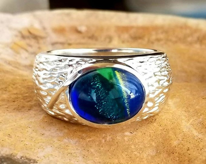 Man's Cabin Memorial Ring in Silver or Gold, Ashes in Glass, Cremation Jewelry, Pet Memorial