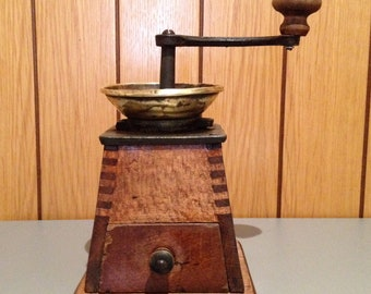 Coffee Mill Austrian Signature M.G. Garantirt model No. 0 Pyramid Trapezium. ca. 1880/1900. Antique Coffee Grinder. Old Coffee Mill