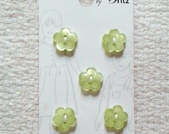 Light Green Flower Buttons - Belle Buttons by Dritz - Card with 5 Buttons                                                 03/2018