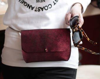 Riñonera/cartera/bolso de cuero genuino en color vino brillante Fannypack/pocket/purse genuine leather