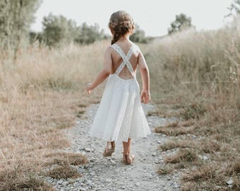 Ella. Maid of honor or baptism dress in crepe and lace.
