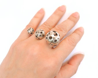Triple Moonball Ring in 925 Sterling Silver