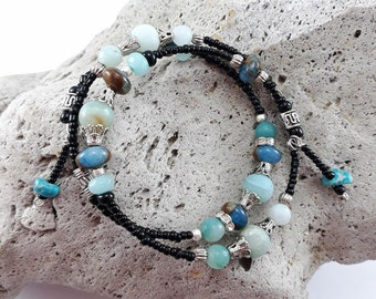 Bracelet with natural Agate and little Turquoise/ Coiled Bracelet / Wired Bracelet