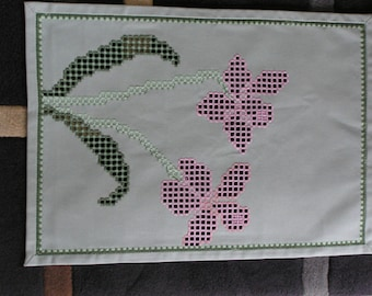 Doily embroidered in Hardanger Orchid green and pink