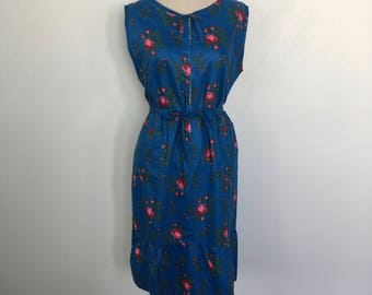 Vintage Casual Spring & Summer w/ Roses Dress Size M/L c. 1965