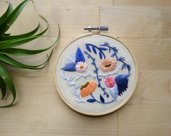 Lilac flowers, Hand Stitched Florals, Hand Embroidered Wall Decor, Handmade Embroidery Art, Embroidery Hoop Wall Art