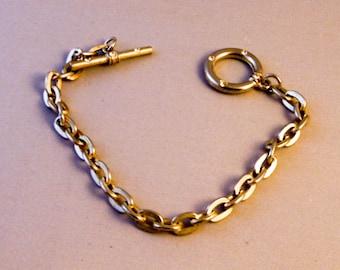 Womans  Chain Link Bracelet   7 Inch    Silver Tone