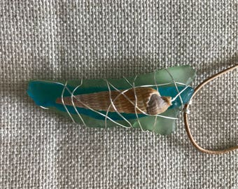 Two tones of seaglass with shell
