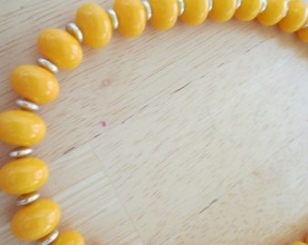 Vintage costume jewelry  / lucite necklace chocker