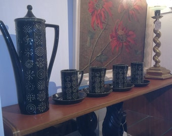 Portmeirion 'Totem 1960s' coffee pots, cups and saucers in dark green