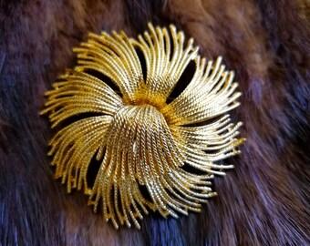 Vintage MONET Gold Swirl Brooch