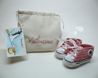 Baby booties style converse