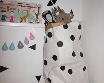 Polka-dot-paper-storage-bag