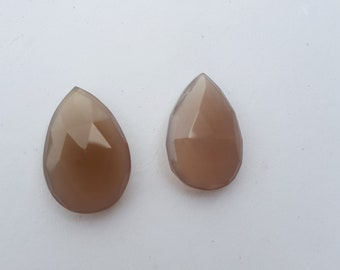 Pair of Chalcedony-- leaf shape-- 2 Piece--28 carats