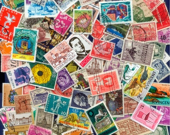 100 Different Worldwide Postage Stamps - Arts and Crafts, Altered Books, Collectors