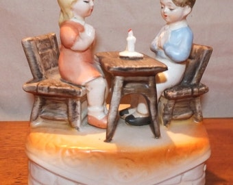 Vintage Sankyo Music Box Children Praying At Table