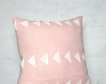 Light Pink Mudcloth Pillow Cover with White Triangles / African Textile Woven Minimalist Geometric Global Rose Blush White Throw Cushion