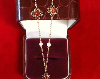 """14 K Yellow Gold Necklace With 3 Garnets and 3 Small Pearls. 2.2 Gm. 16"""" Long."""