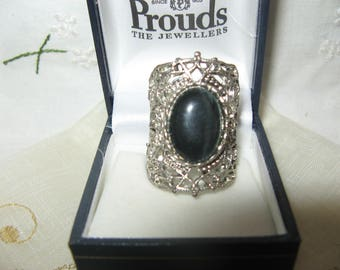 Vintage Ring maybe silver? Dark Blue Stone? Chunky and Good Cond!
