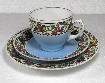 Vintage Epiag D F  Czechoslovakia Kingfisher Pattern Porcelain China Trio Tea Set in Very Good Condition