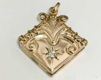 Antique Victorian Locket 9k Solid Gold for Photos