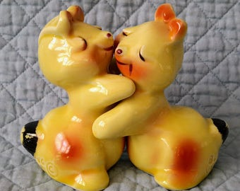 Salt and Pepper Yellow Rabbits Shakers , Bunny Hug by Van Tellingen, c.1950