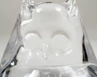 Art glass owl, figurine, paper weight