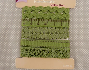 set of five ribbons and laces, green