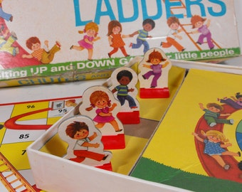 1974 Chutes and Ladders Game - Complete    (918)