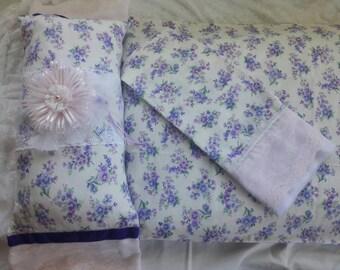 Purple flower pillowcase set