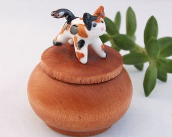 Tiny Wood Trinket Ring Box with Lampwork Glass Calico Cat Topper Knob/Finial